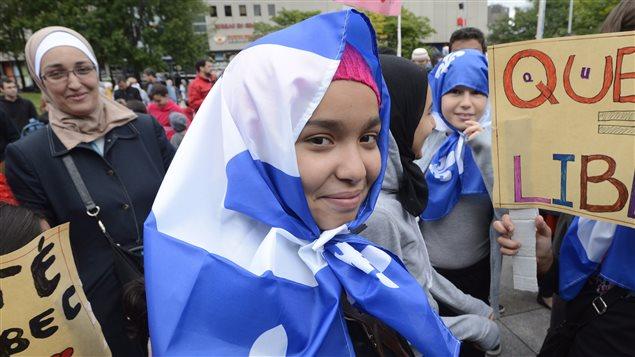 Manifestante contre la charte des valeurs québécoises