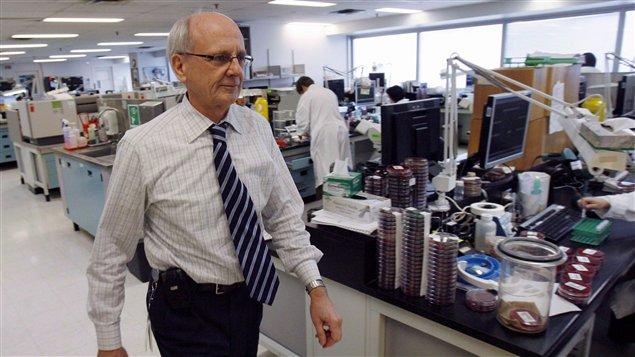 Le Dr Donald Low était le microbiologiste en chef de l'Hôpital Mont Sinaï de Toronto.