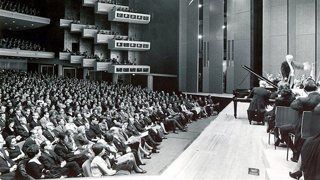 Concert avec Wilfrid Pelletier lors de l'inauguration de la Place des Arts, en 1963.