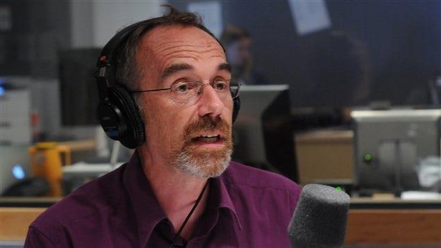 Le premier conseiller linguistique de Radio-Canada Guy Bertrand