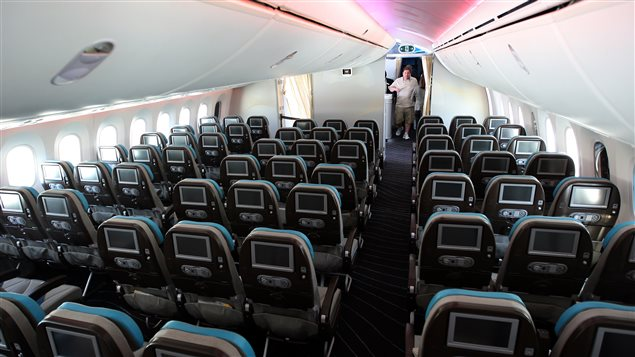 Les si ges d 39 avions r tr cissent en classe conomique for Interieur avion air canada