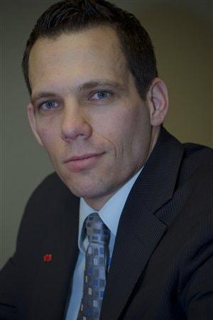 Matthieu Arseneau est économiste principal, Économie et Stratégie,  à la Banque Nationale du Canada.