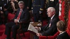 Stephen Harper et le gouverneur général David Johnston lors du discours du Trône.