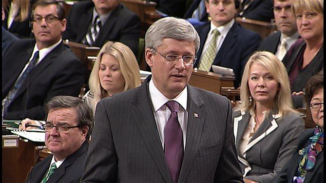 Stephen Harper, durant la période de questions houleuse portant sur le scandale qui sévit au Sénat et éclabousse le gouvernement conservateur.
