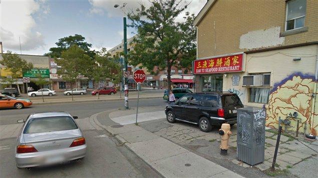 صورة من الحي الصيني في تورونتو، كبرى مدن كندا والوجهة الأولى للقادمين الجدد