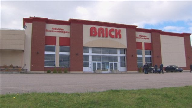 Le magasin brick remporte une premi re victoire ici for Meuble brick montreal