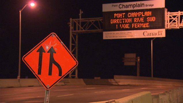 Il n'y aura pas de voie réservée aux autobus, ce matin, sur le pont Champlain, et une voie sera retranchée en direction sud.