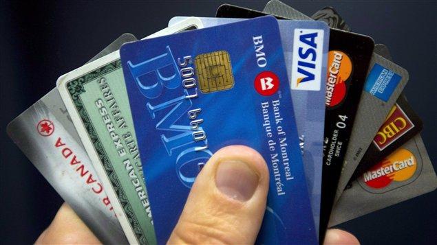 Au Canada, selon de précédentes enquêtes, 45 % des travailleurs épargnent 5 % ou moins de leur paie nette. Or, les spécialistes en finances personnelles conseillent d'épargner 10 % de la paie nette.
