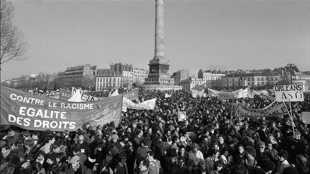 Le racisme en france 30 ans apr s la marche des beurs - Bureau de change paris ouvert le dimanche ...
