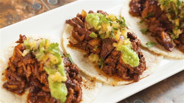 Une recette de <em>tacos al pastor</em>
