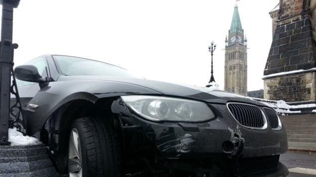 La voiture de Roméo Dallaire après l'accident