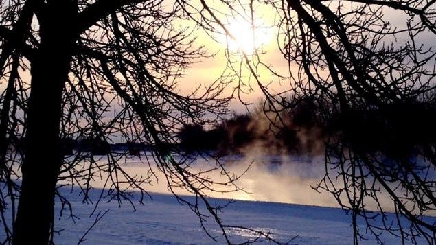 Presque tout le Canada est heurté par une vague de froid qui devrait se poursuivre jusqu'à samedi.  Presque tout le Canada est heurté par une vague de froid qui devrait se poursuivre jusqu'à samedi. © Radio-Canada