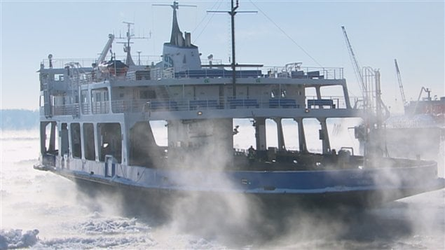 Le froid se constate sur le Fleuve Saint-Laurent au Québec.