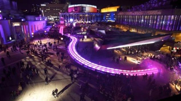 Le Festival des lumières de Québec à la fin décembre de l'an dernier. Québec se drape de neige et de froid, mais elle subit la concurrence de plus en plus vive de villes dans les pays scandinaves moins froides et plus proches du populeux marché de l'Europe de l'Ouest. La Russie gagne aussi en popularité.