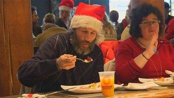 Au Québec : Des maisons qui viennent en aide aux sans-abri et démunis - Page 2 131222_bq401_archidon_6