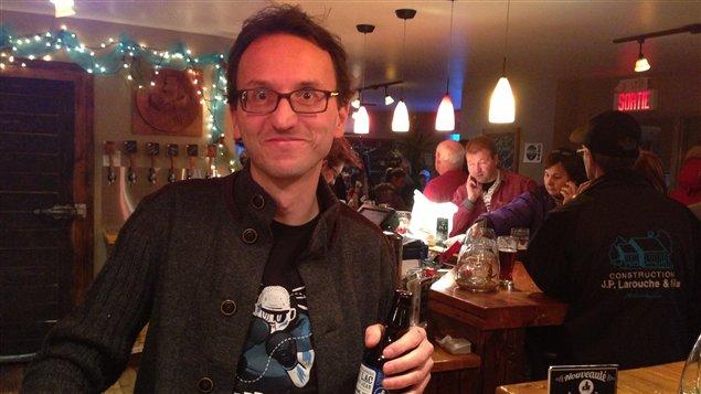 Charles Sagalane, auteur de l'Atelier des saveurs et copropriétaire de la Microbrasserie du Lac Saint-Jean à St-Gédéon