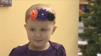 Hannah au début de décembre, alors que la leucémie a été diagnostiquée