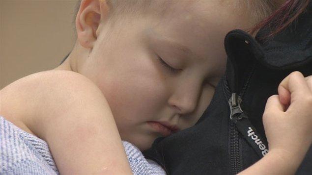 Hannah Day, 4 ans, attend un don de cellules souches