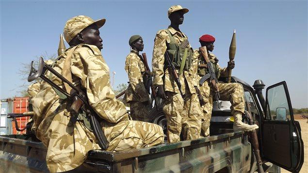 http://img.src.ca/2014/01/04/635x357/AFP_140104_hf7rq_soudan-sud-soldats-armee_sn635.jpg