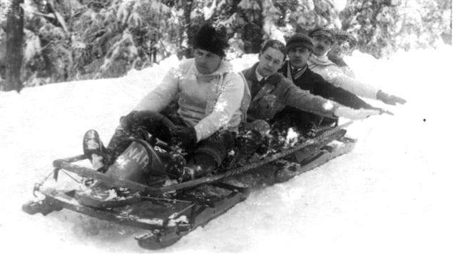 Course de bobsleigh en 1914 à Sinania en Roumanie