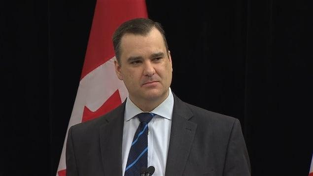 Le ministre canadien de l'Industrie, James Moore.