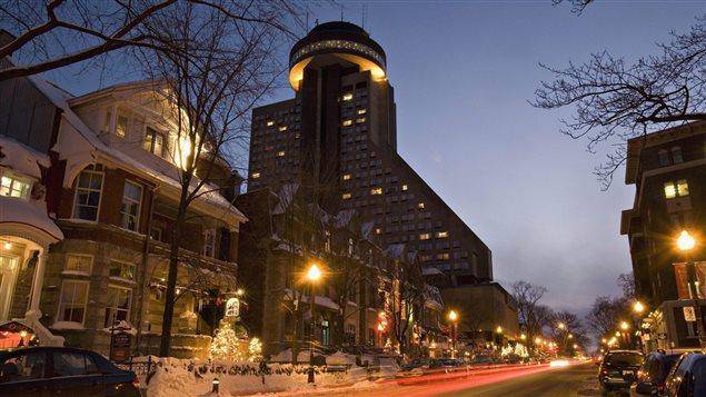 L'hôtel Loews le Concorde de Québec vu de la Grande Allée.