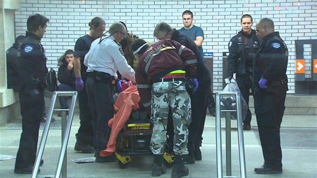 L'homme était dans un état critique lorsqu'il a été transporté à l'hôpital.