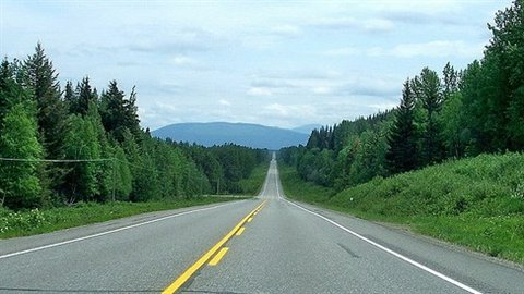 « L'autoroute des larmes » (the « Highway of Tears ») en Colombie-Britannique où plus d'une douzaine de jeunes femmes autochtones ont disparu depuis 1994. CBC
