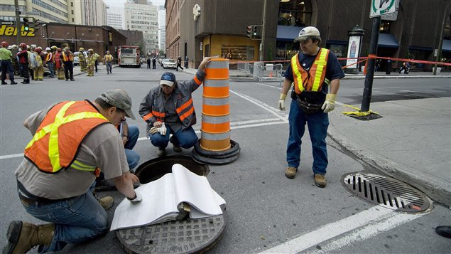 Des cols bleus de la Ville de Montréal