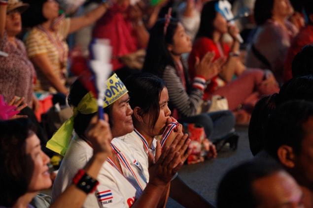 Ce groupe des manifestants est principalement composé de gens de la classe moyenne, des élites de Bangkok et des habitants du sud du pays.