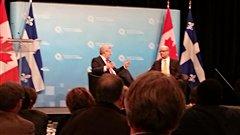 Stephen Harper participe à une discussion devant les gens d'affaires de Québec.