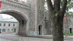 Porte de fortification dans le Vieux-Qu�bec