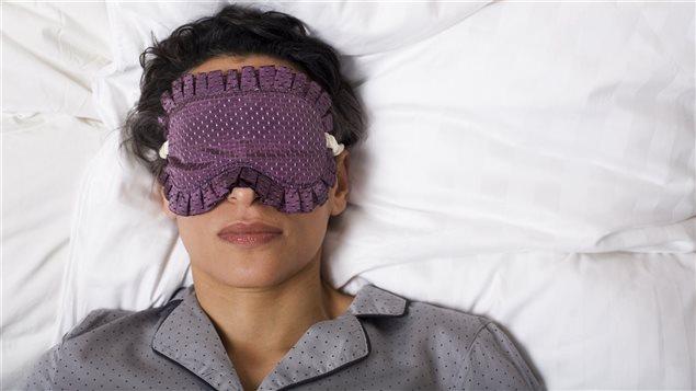 Une femme qui dort.