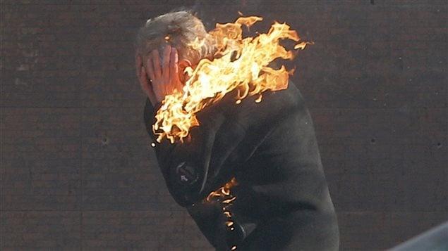Manifestant en feu à Kiev