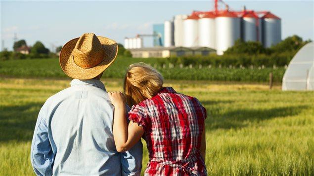 Un couple d'agriculteurs