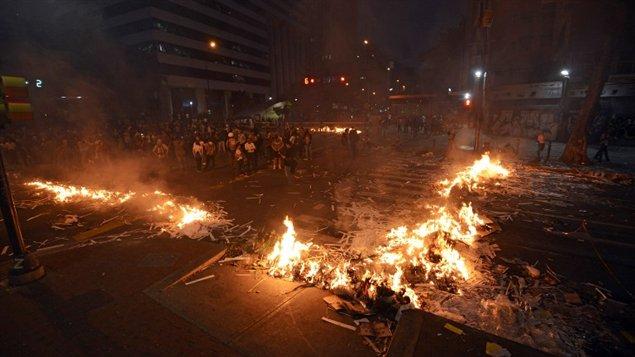En Venezuela, incidentes como este golpearon diversos sectores del país.