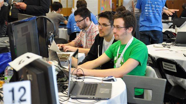 La formation continue des enseignants aux nouvelles technologies est le défi du CADRE 21