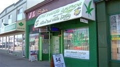 La société Jim's Weeds Lounge de Vancouver.