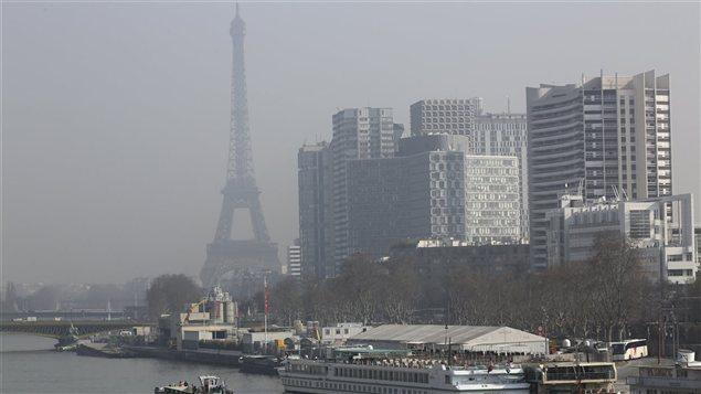 Le nuage de pollution était visible à Paris ces derniers jours.
