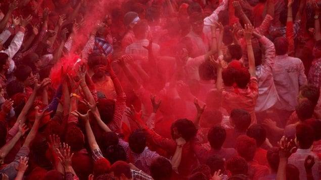 Le festival indien Holî célèbre le triomphe du bien sur le mal et resserre les liens sociaux