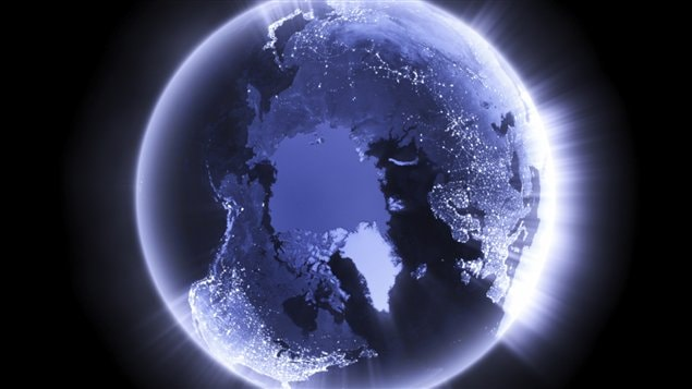 A picture of the globe is shown tilted to show the North Pole.