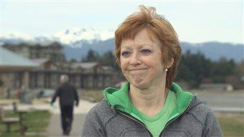 Christina Morrow, qui a travaillé pendant 24 ans pour le McDonald's de Parksville en C.-B., dit avoir été poussée vers la sortie après l'arrivée de travailleurs temporaires étrangers
