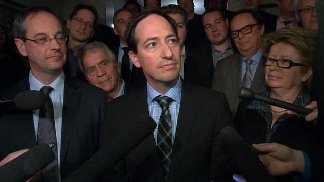 Stéphane Bédard répond aux questions des journalistes après avoir été choisi chef intérimaire du PQ