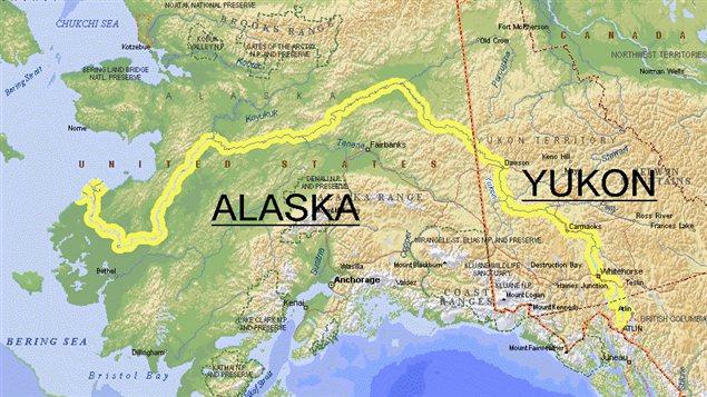 Considéré comme le 5e plus grand fleuve de l'Amérique du Nord, le Yukon prend sa source en Colombie-Britannique, traverse le Yukon et l'Alaska avant de se jetter dans le détroit de Bering.