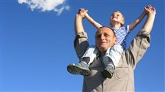 L'évolution du rôle des pères fait partie du visage changeant de la famille moderne.