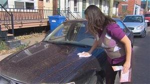 Véronique Lalande avait prélevé de la poussière rouge sur sa voiture.