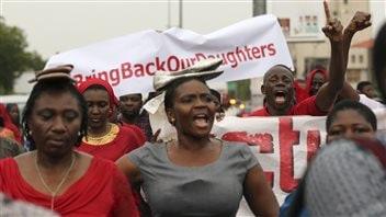 Une manifestation pour exiger la libération des lycéennes kidnappées à Abuja