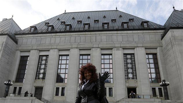 Terri-Jean Bedford, la femme à l'origine de la cause, devant la Cour suprême du Canada, le 13 juin 2013.