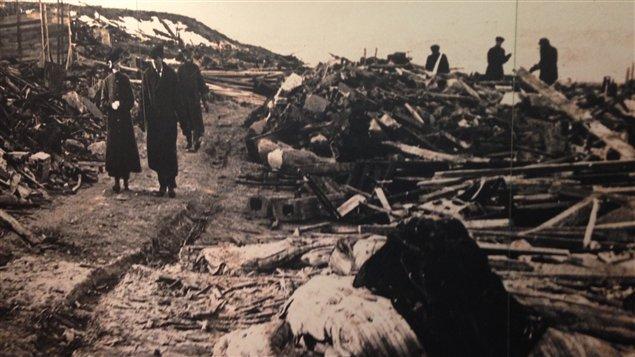 Foto en el Museo Marítimo del Atlántico que muestra el alcance de los daños ocasionados por la explosión en Halifax en 1917.