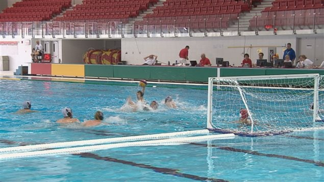 Championnat canadien de water polo qu bec ici radio for Club piscine ottawa ontario